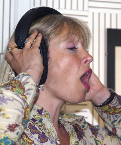Photo of singer Tina May in Porcupine recording studio 2007